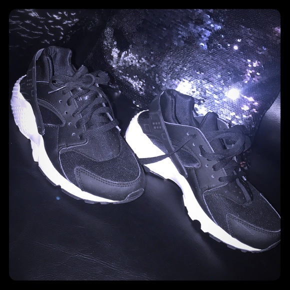 Unisex Youth NIKE Huarache